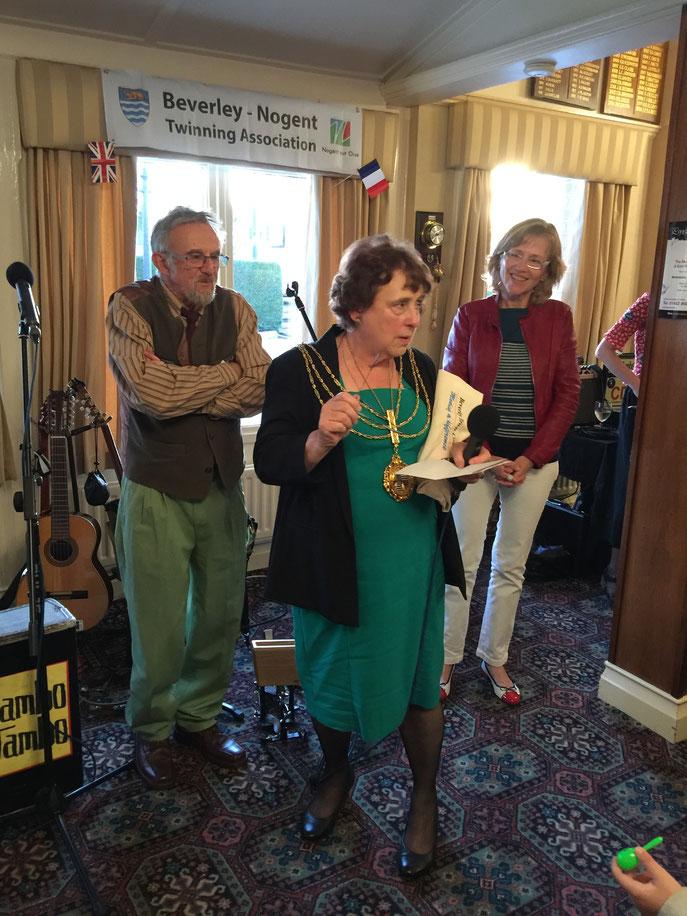 Discours de Mme le Maire, lors du repas d'au revoir, au restaurant du club de golfe de Beverley.