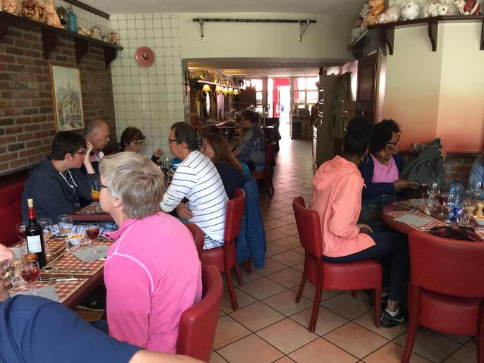 """Puis, nous nous sommes rendus dans le quartier """"Saint Leu"""", pour déguster un très bon repas."""