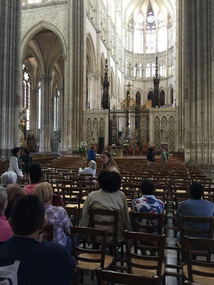Nous avons pu profiter d'un guide pour avoir des informations sur les sculptures et l'architecture  de cette magnifique cathédrale.