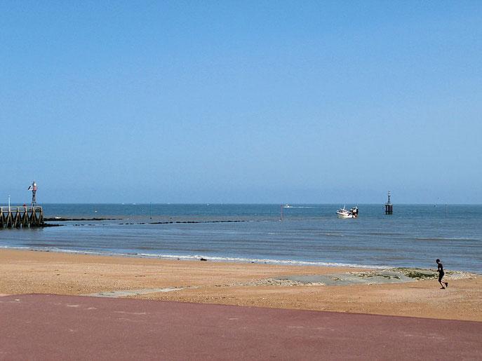 Visitez courseulles plage du d barquement chambres d 39 h tes chez l 39 habitant - Chambres d hotes plages du debarquement ...
