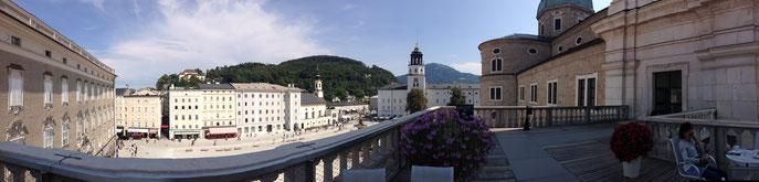 Panorama sur la place Mozart