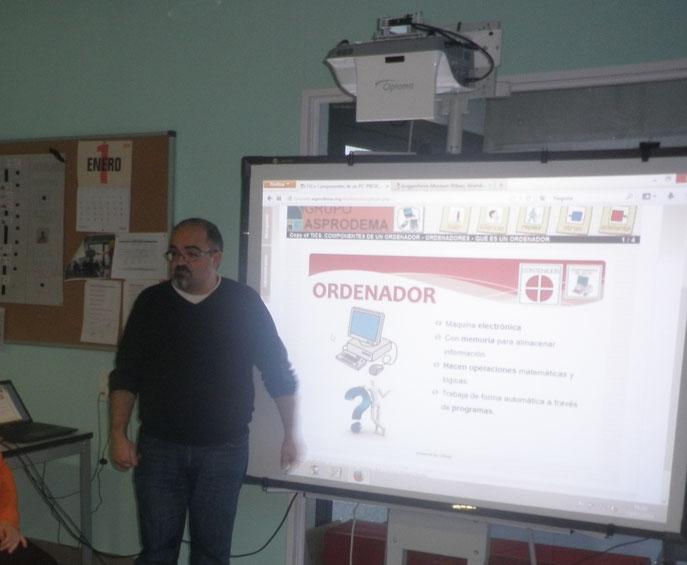 Santi, nos enseña nuevas tecnologías