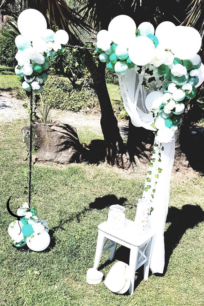 Arco di palloncini e fiori