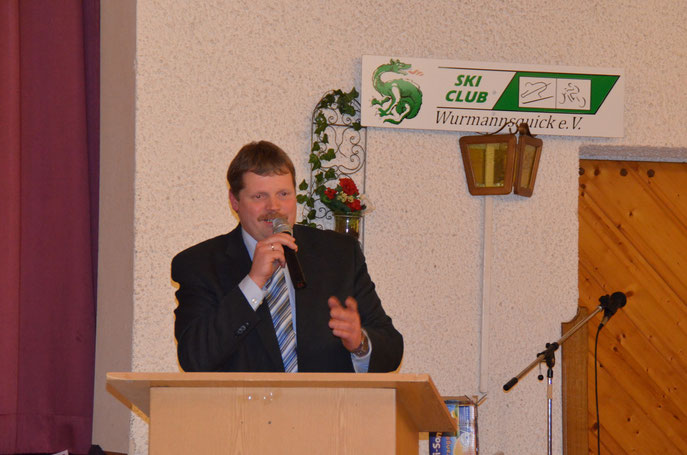 Bürgermeister Georg Thurmeier bei seiner Ansprache