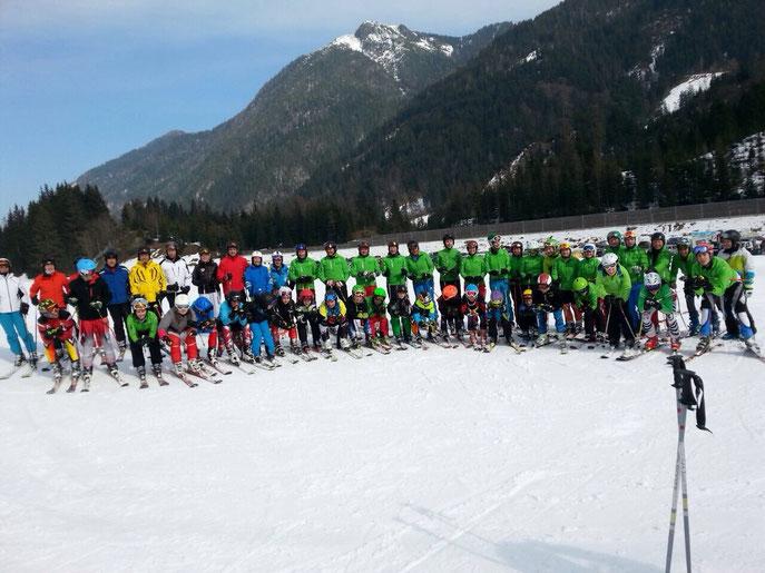 Die Siegermannschaft des Skiclub Wurmannsquick