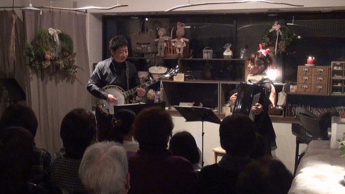 クリスマスソングは演奏してても楽しいですね〜♬