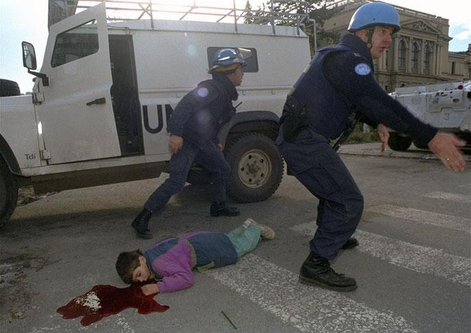Sedmogodišnji dječak Nermin Divović  kojeg je ubio snajper tokom opsade Sarajeva 18. novembra 1994. godine