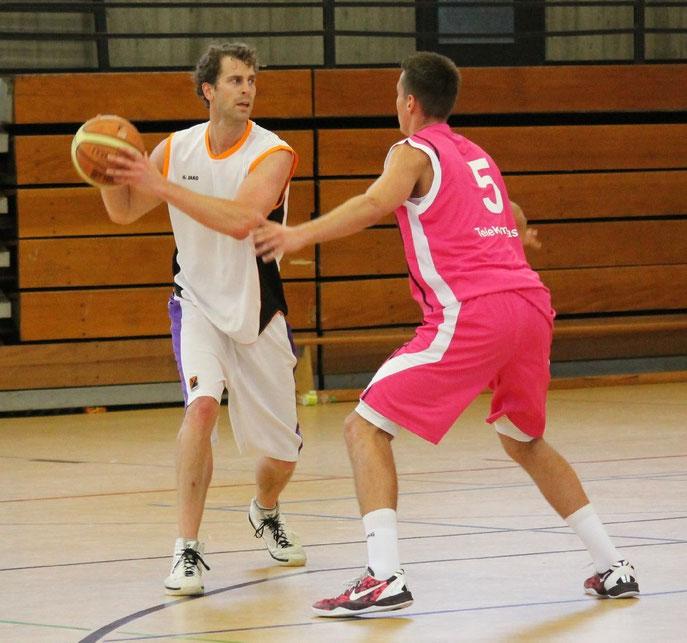 Spielertrainer Peer Wente im Einsatz gegen Bonn
