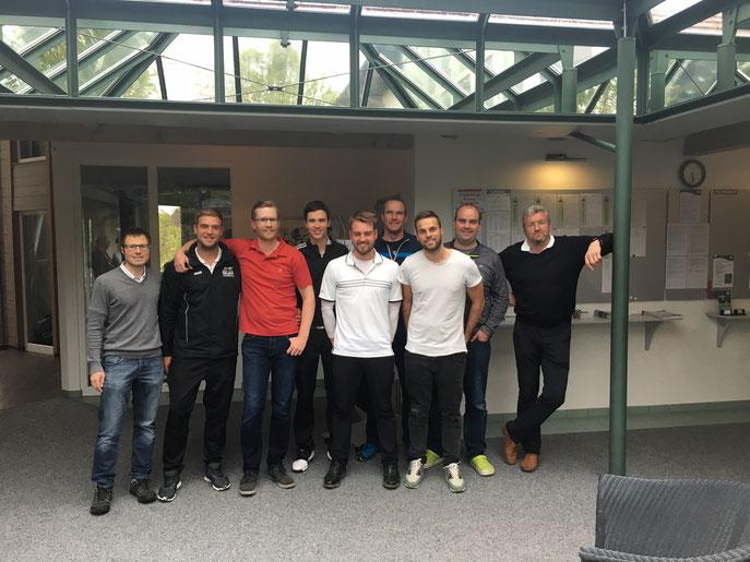 (von links) Dirk Herrmann, Stiven Kreicha, Kristian Kemmler, Konstantin Keller, Tim Schäfer, Michael Maier, Florian Rauscher, Markus Maier, Willi Rudorf - © Golfclub Reutlingen-Sonnenbühl e.V.