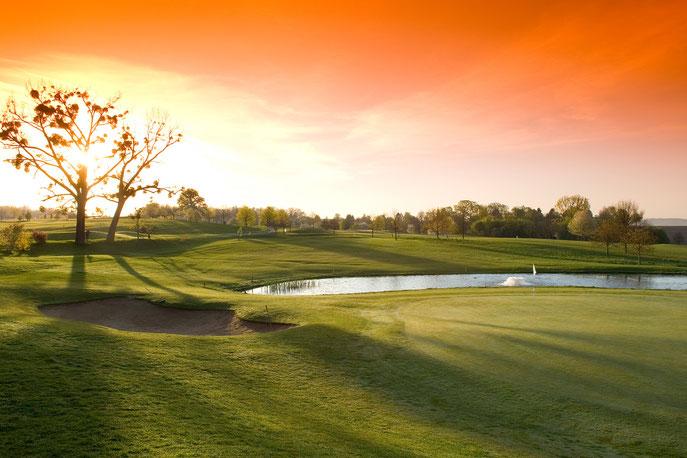Stimmungsvolle Aussicht vom Grün an der 1. Bahn vom Golf-Club Heilbronn - © Golf-Club Heilbronn-Hohenlohe