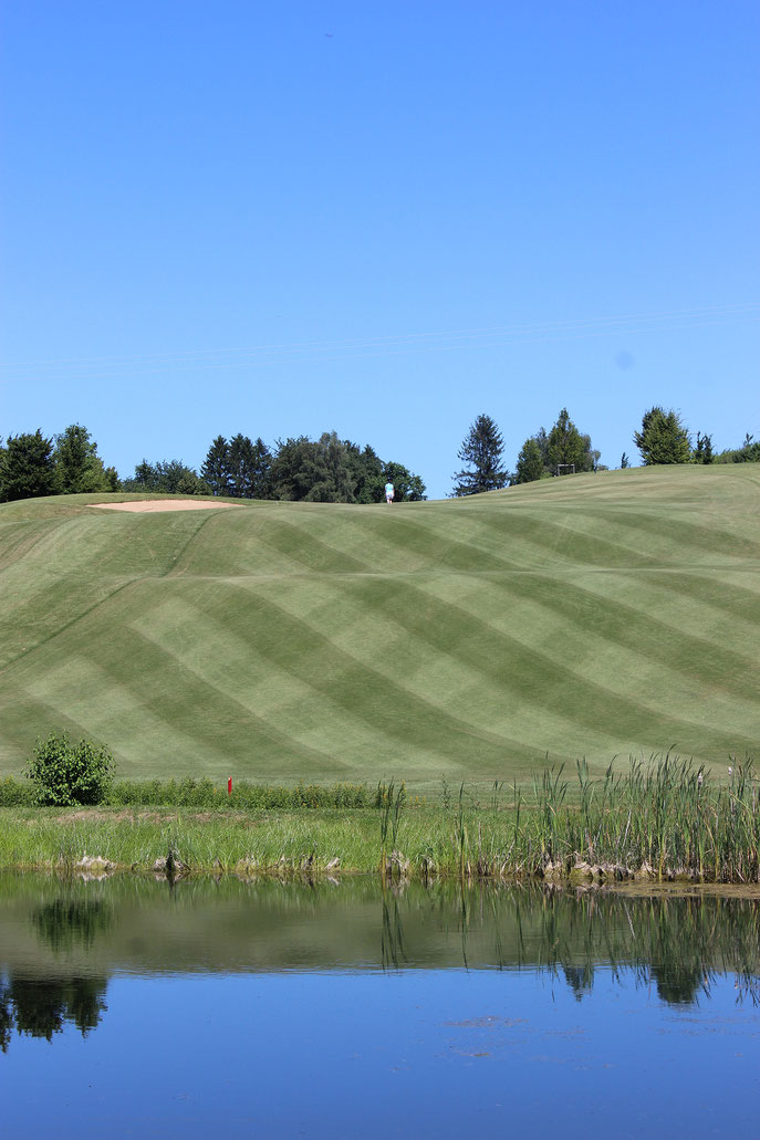 Nicht nur die Bahn 6 vom Golf-Club Heilbronn-Hohenlohe bietet spektakuläre An- und Aussichten - © Golf-Club Heilbronn-Hohenlohe