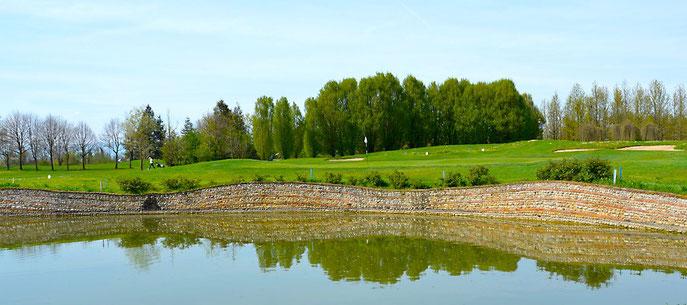 Das Signature Hole 16, ein PAR 3 des Golfclub Cà Amata - © Peter von Oppen