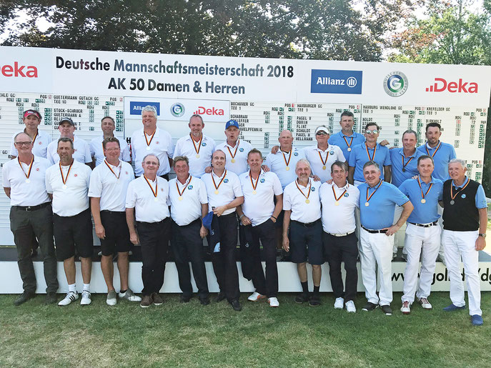 Bei den DMM AK 50 Herren holt sich der Bochumer GC den Titel - © Langer Sport Marketing