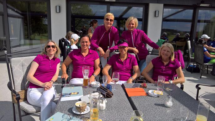 Von links: Caroline Foster, Anja Nusser, Rena Rusko, Elli Keller, Michaela Werner und Manuela Michelberger - © Golfclub Reutlingen-Sonnenbühl e.V.