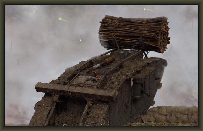 """Brit. Mk.IV """"Female"""" Tank, Emhar, Diorama 1:35"""