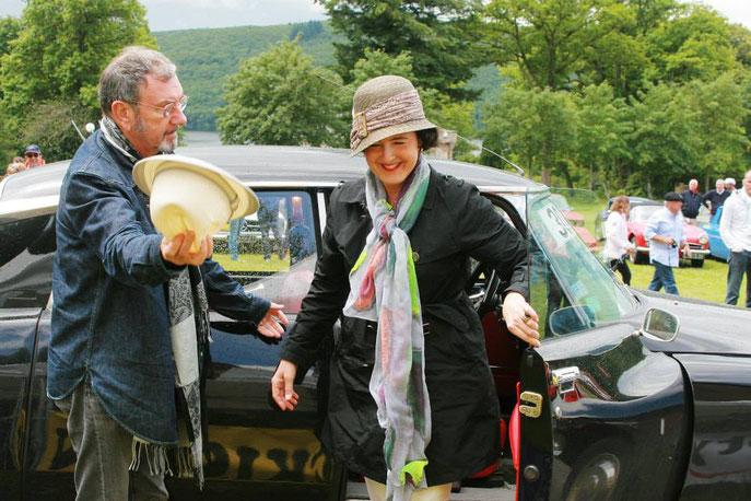 Richard Gotainer, le parrain de l'édition 2014, donne une leçon d'élégance, de galanterie et de classitude à la foule amassée au bord des routes du Creusekistan.