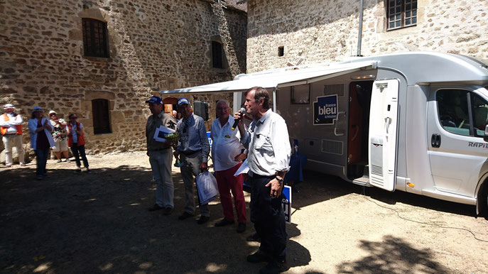 René et Boris Boubet, les vainqueurs du Creusekistan Classic 2017, en compagnie d'Hubert Auriol et d'André Genin, président du Sud Creusekistan.