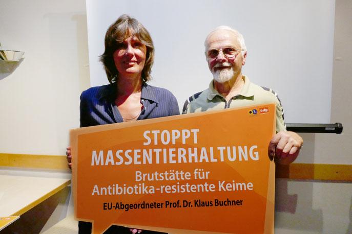 Angelika Demmerschmidt M.A. im Gespräch mit NaturFreunde Hausreferenten Günther Grabs.