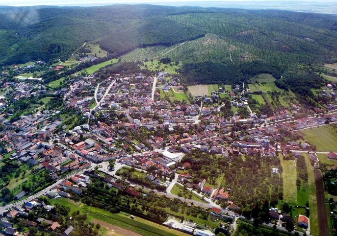 Hornstein 2005