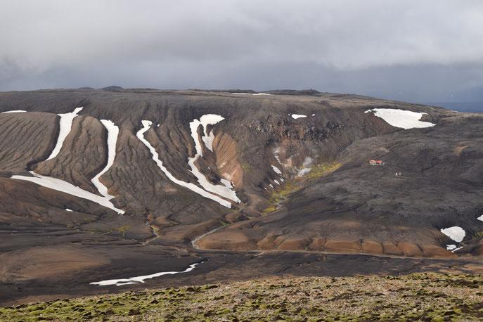 Hrafntinnusker mountain and hut, Reykjafjöll
