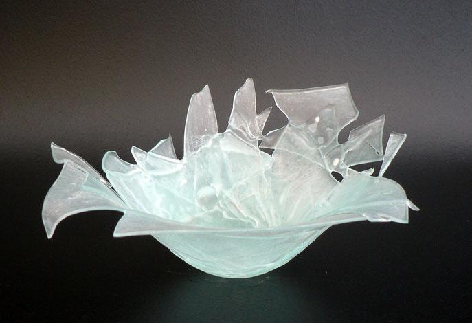 sculpture en verre récupéré après avoir cassée une vitre