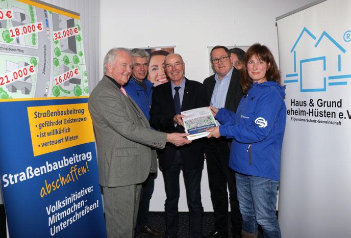 (v.l.) Gerd Schulte, Jens Ammann, Wilfried Gothe, Markus Berkenkopf, Andrea Defeld. Foto: hug