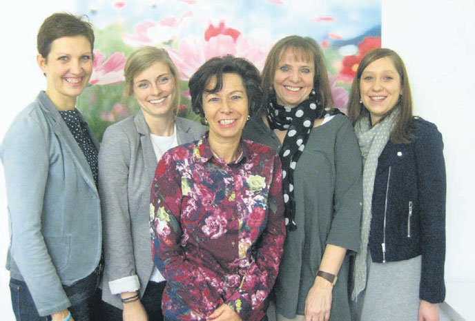Die Mitarbeiterinnen des Fachdienstes der Familären Bereitschaftspflege (v.l.n.r.): Erika Gretschmann, Sarah Haurand, Elke Weegen-Schmidt, Bettina von Bihl und Carolin Budweg.  Foto: privat