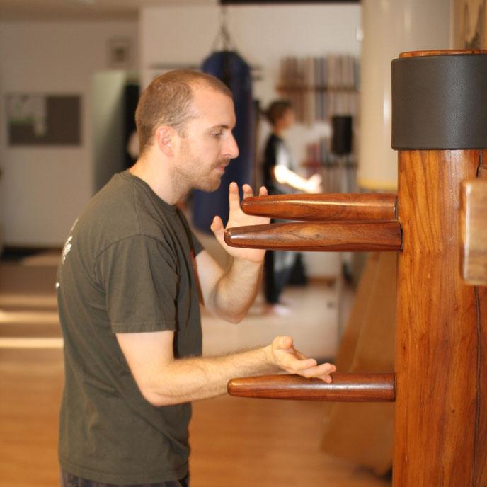 Holzpuppe, Wing Chung Kung fu, Schwarzgurt: Kampfkunstschmiede Zürich Oerlikon