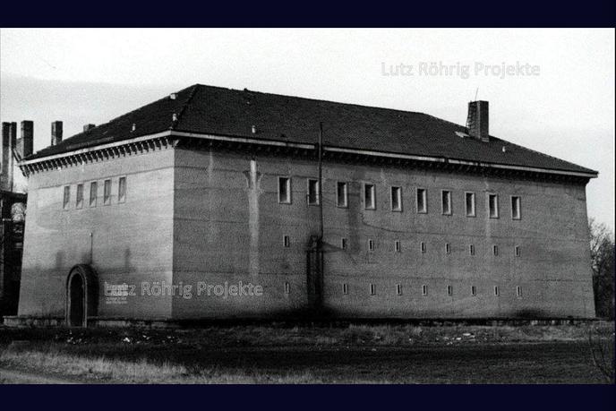 Bunker Eiswaldtstraße in Berlin - Lankwitz. Außenansicht nach Kriegsende.