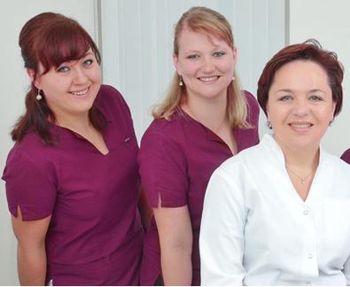 Praxisteam um Stella Zajac; Hautarztpraxis Norderstedt