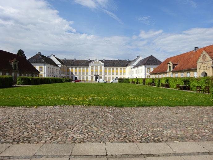 Schönes Schloss in Augustenborg mit großer Innenhofanlage