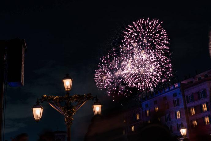 ディズニーで打ち上がる花火