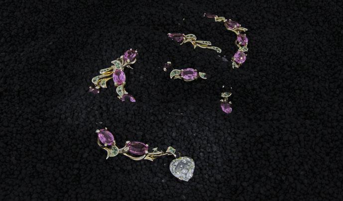 Juwelenschmuck angefertigt auf Kundenwunsch von der Goldschmiede OBSESSION