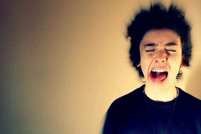 Wie Meditation und Achtsamkeit dir dabei helfen mit deiner Wut umzugehen #Wut #lieberglücklich #Achtsamkeit #Meditation