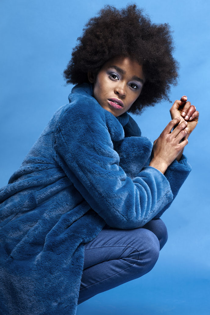Olyvia Oyster Styling Fashion Stylist Berlin Olivia Rutschka Fashionshooting Afro Blue