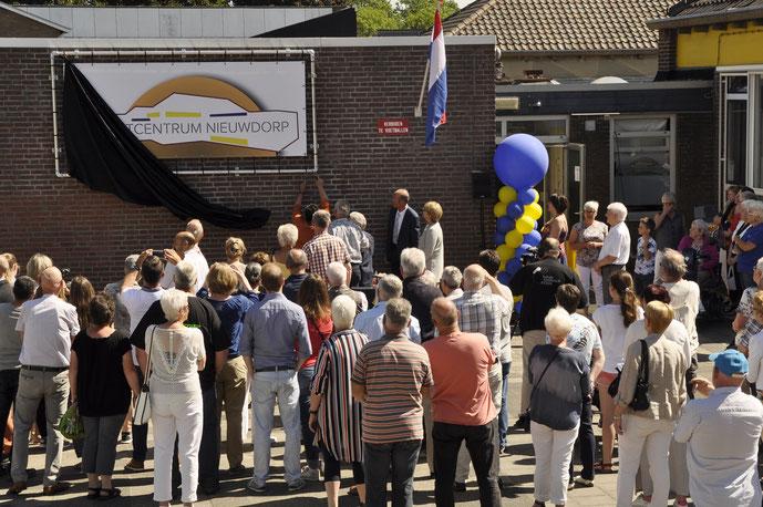 5 juni 2017 de burgemeester van Stein, Marion Leurs Mordang, opend Buurtcentrum Nieuwdorp officieel