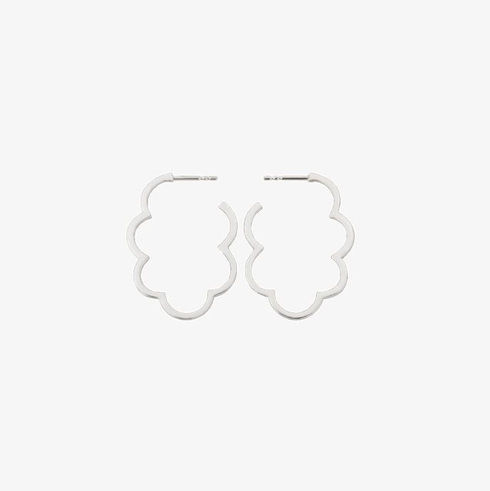 Luftig, leichte Wolken Ohrringe aus 925 Sterling Silber. Große silberne Ohrringe. Kreolen, Silber. Schmuck vom Goldschmied.