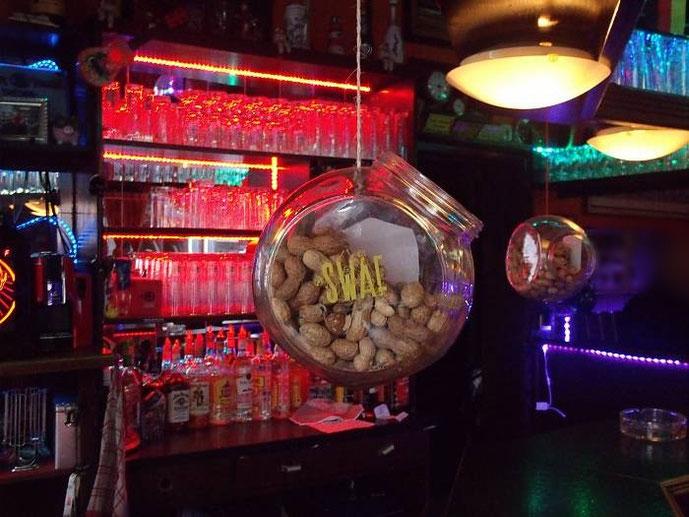 Erdnüsse im Käpt´n Brass Hamburg St. Pauli, Gerhardstraße St. Pauli