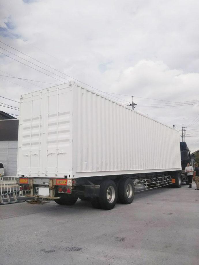 三重県四日市市 中古コンテナ40ftハイキューブ×2本設置