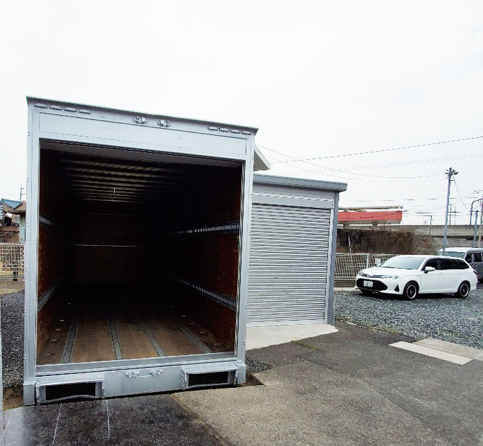 愛知県東海市 中古アルミコンテナハイルーフ7m設置