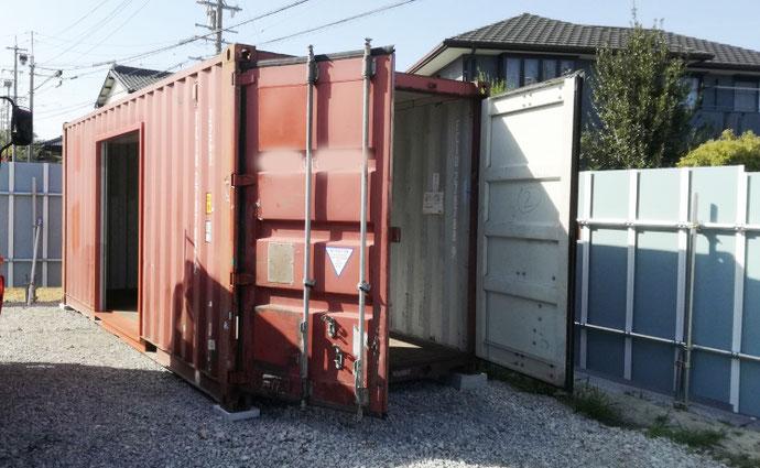 知多郡武豊町 中古コンテナ20ftシャッター付き設置