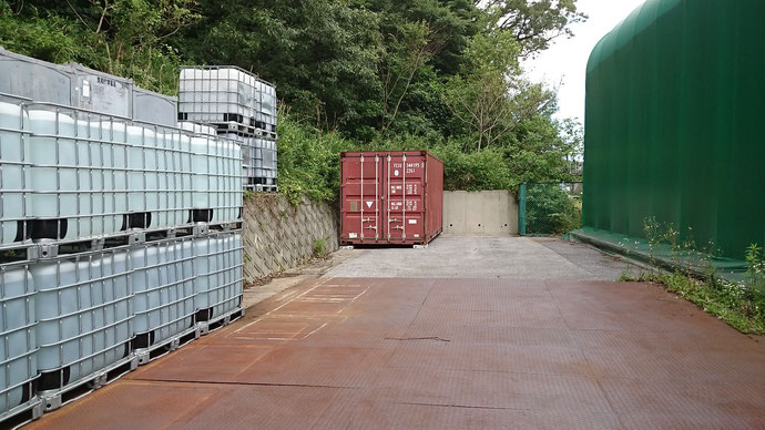 和歌山県 中古コンテナ20ft グレー塗装 シャッター付き