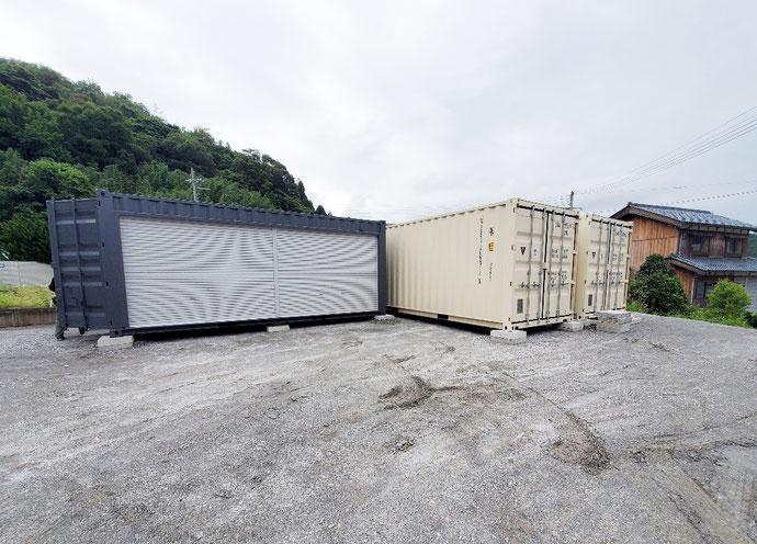 福井県美浜町 NEWVANコンテナ20ftアイボリー&中古20ftグレー・フルシャッター設置