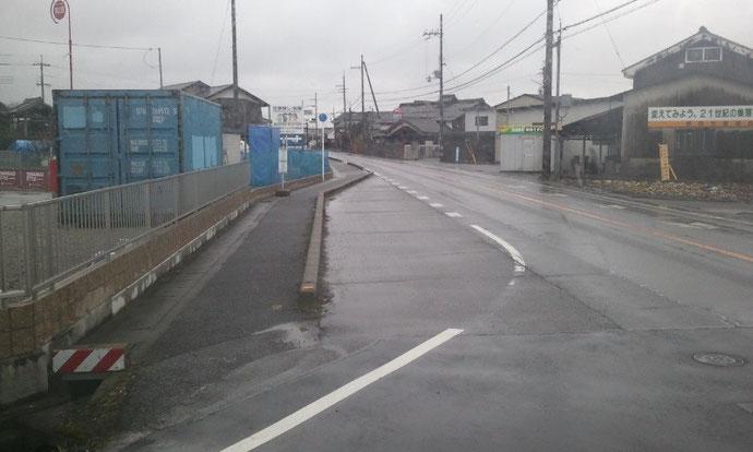 滋賀県 中古コンテナ20ft グレー塗装と換気口の取付