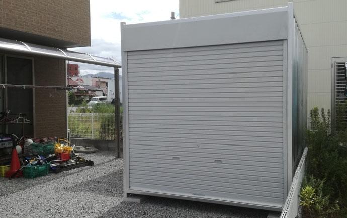 滋賀県彦根市 サマー特価品中古コンテナ12ftシャッター付シルバー塗装設置