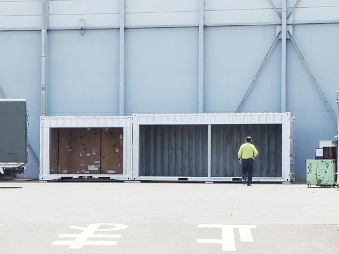 愛知県東海市 中古コンテナ12ft貨物・20ftシャッター付きシルバー設置