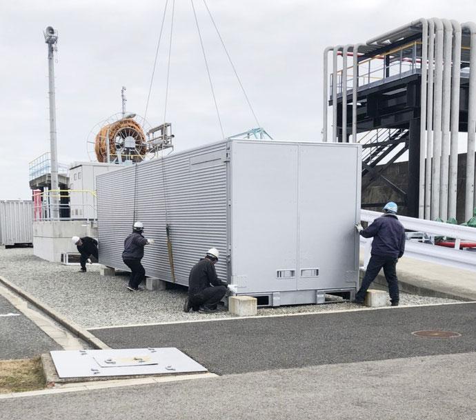 兵庫県神戸市 中古大型アルミコンテナ設置