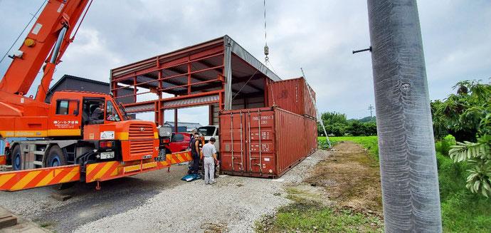 美濃加茂市本郷町 中古コンテナ20ft×4本設置