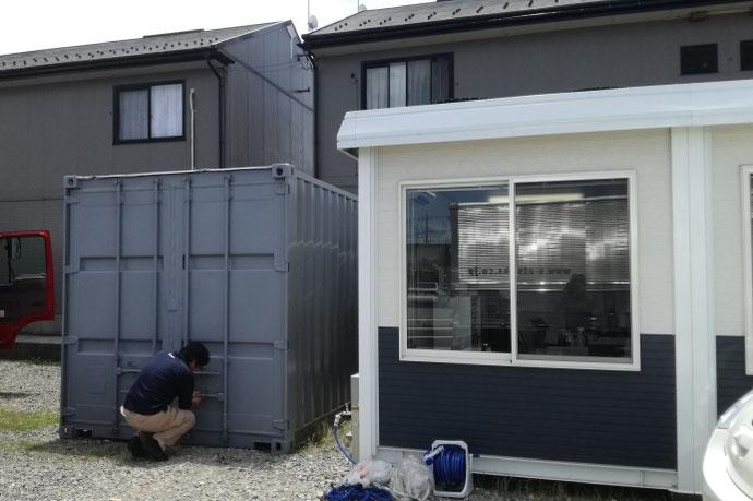 石川県金沢市 中古コンテナ20ftグレー塗装設置