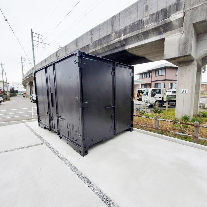 岐阜県羽島市 中古貨物コンテナ12ftブラック塗装設置